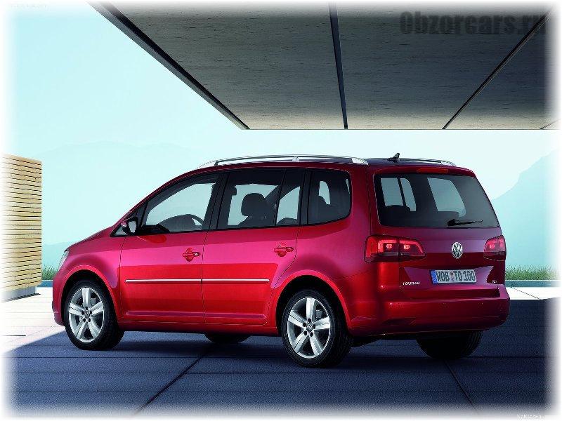 Volkswagen_Touran_10