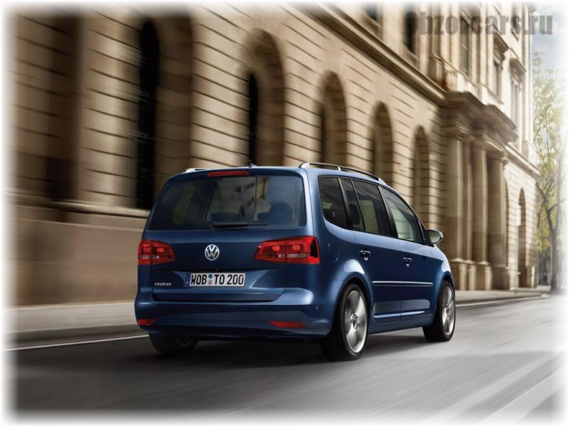 Volkswagen_Touran_4